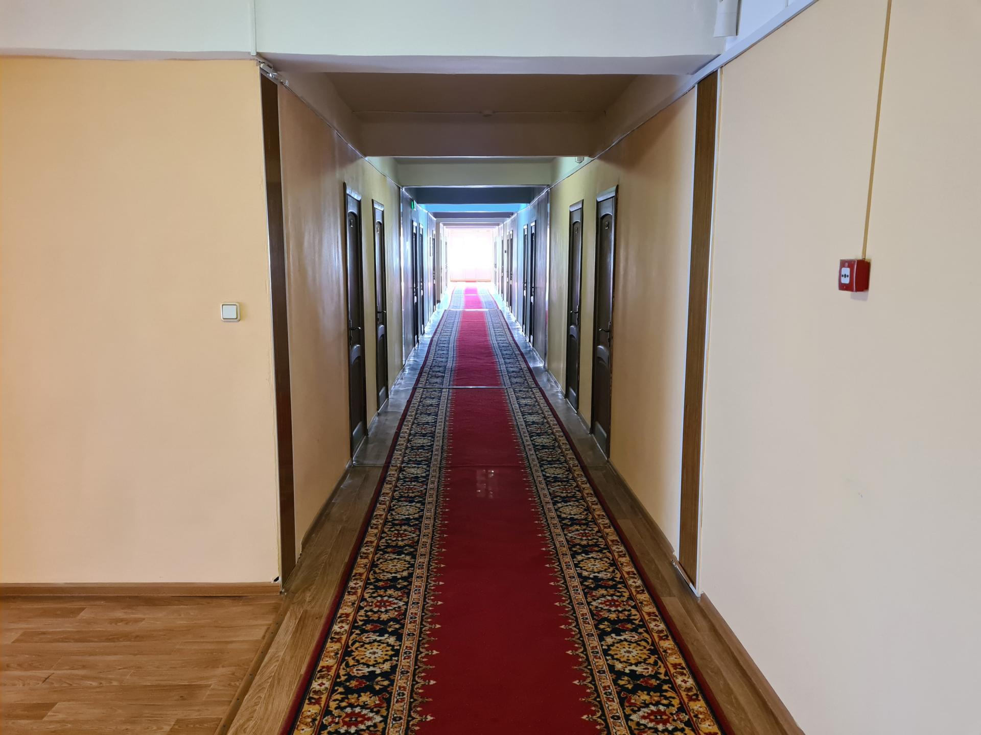 коридор в гостинице Каспий