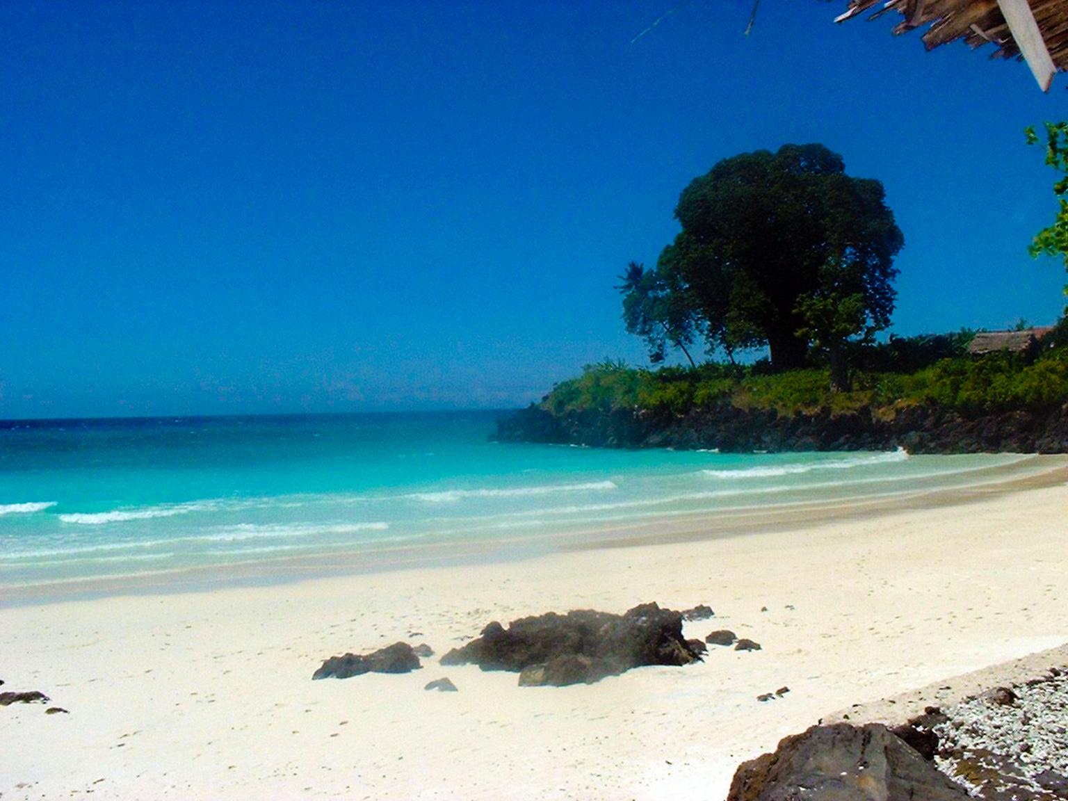 пляж на Коморских островах