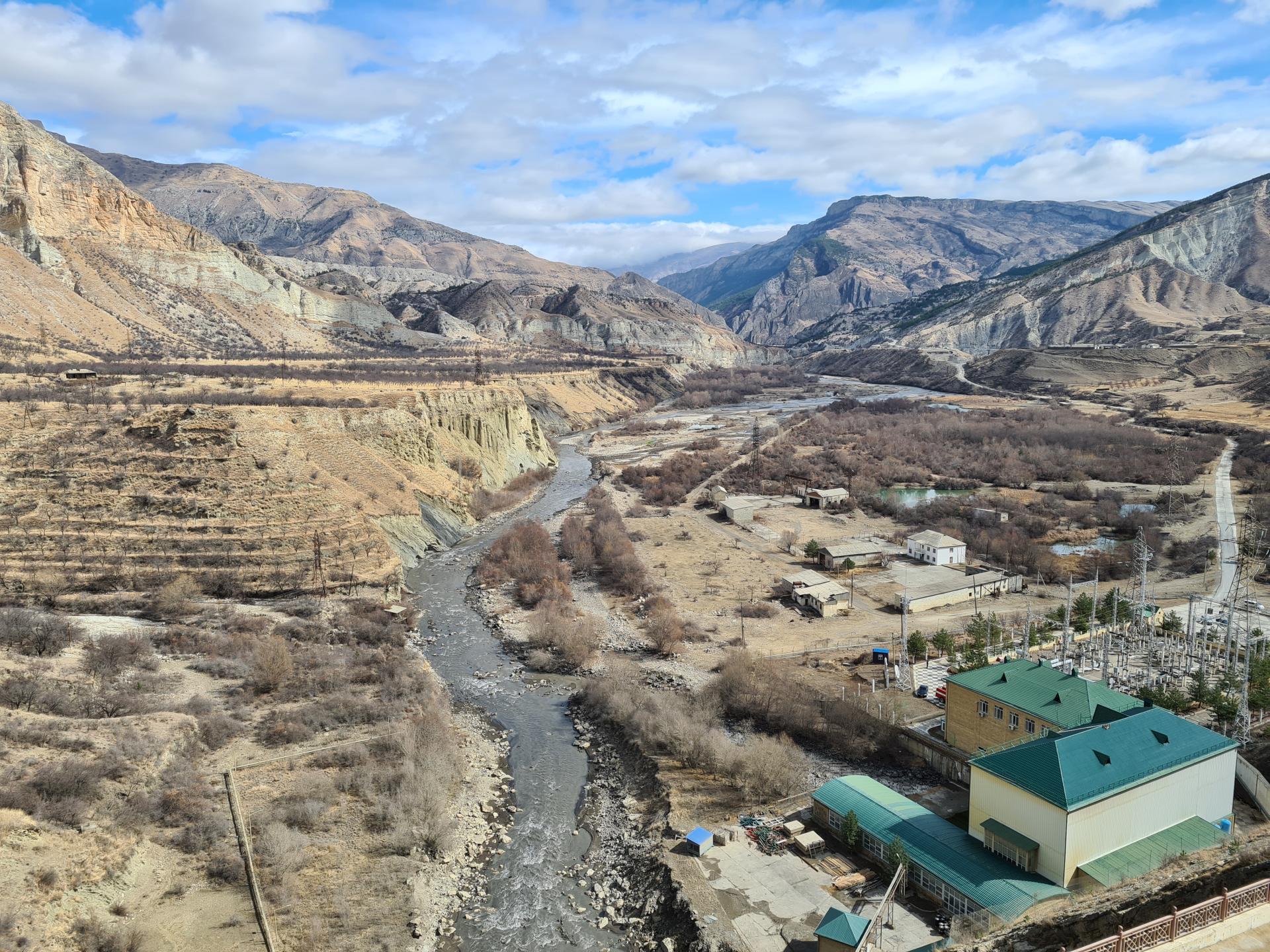 вид на природу рядом с Гунибской ГЭС