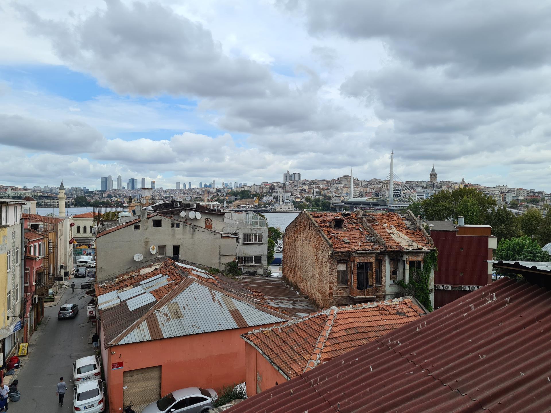 вид на Босфор с террасы отеля MarPalace Hotel