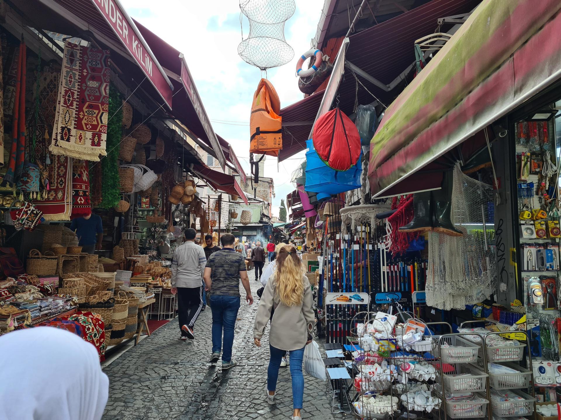 на подходе к Гранд-Базару в Стамбуле